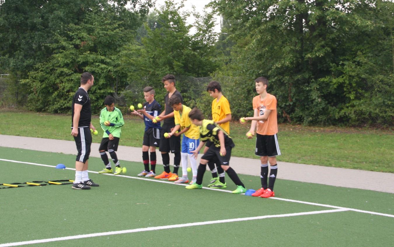 C-Junioren spielen Futsal