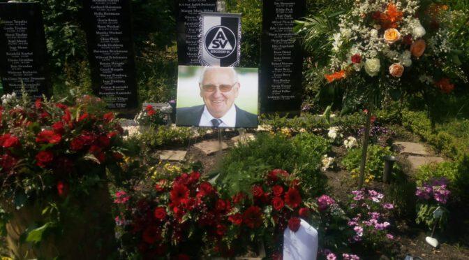 Beisetzung von Horst Tischer